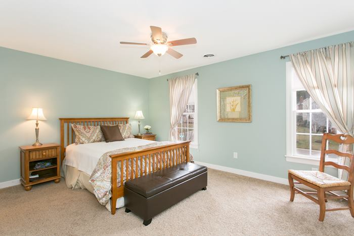 Slideshow image of 3912 Holmbank Court