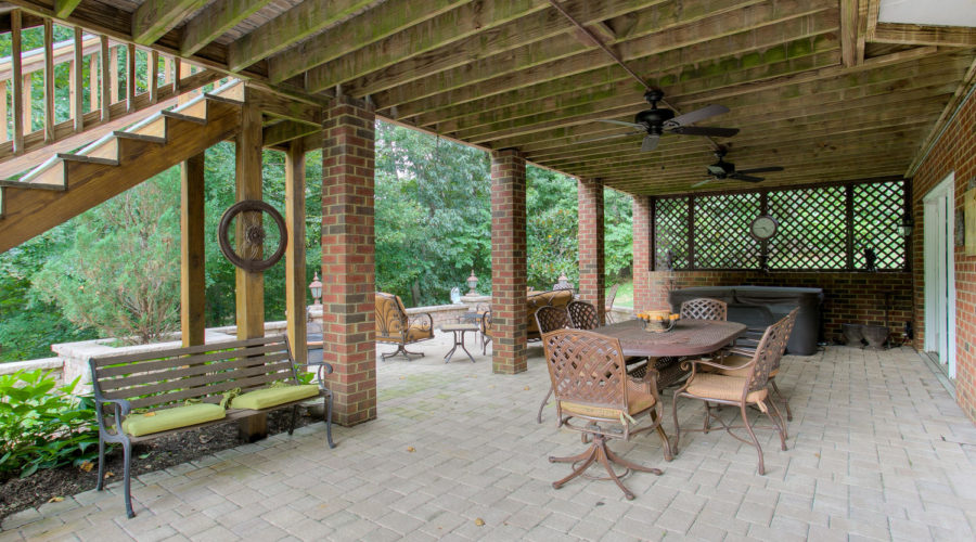 Slideshow image of 12929 Holmbank Lane